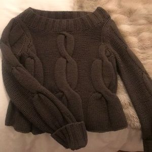 Cozy knitted olive green sweater